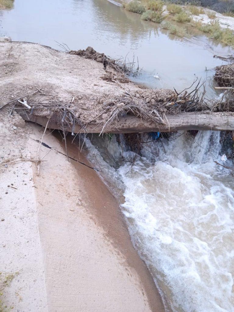 مياه الري تغرق سكان دوار  آيت سعيد ايشو وتعطش دوار آخر بجماعة أكفاي بسبب قنطرة عشوائية…صور+فيديو